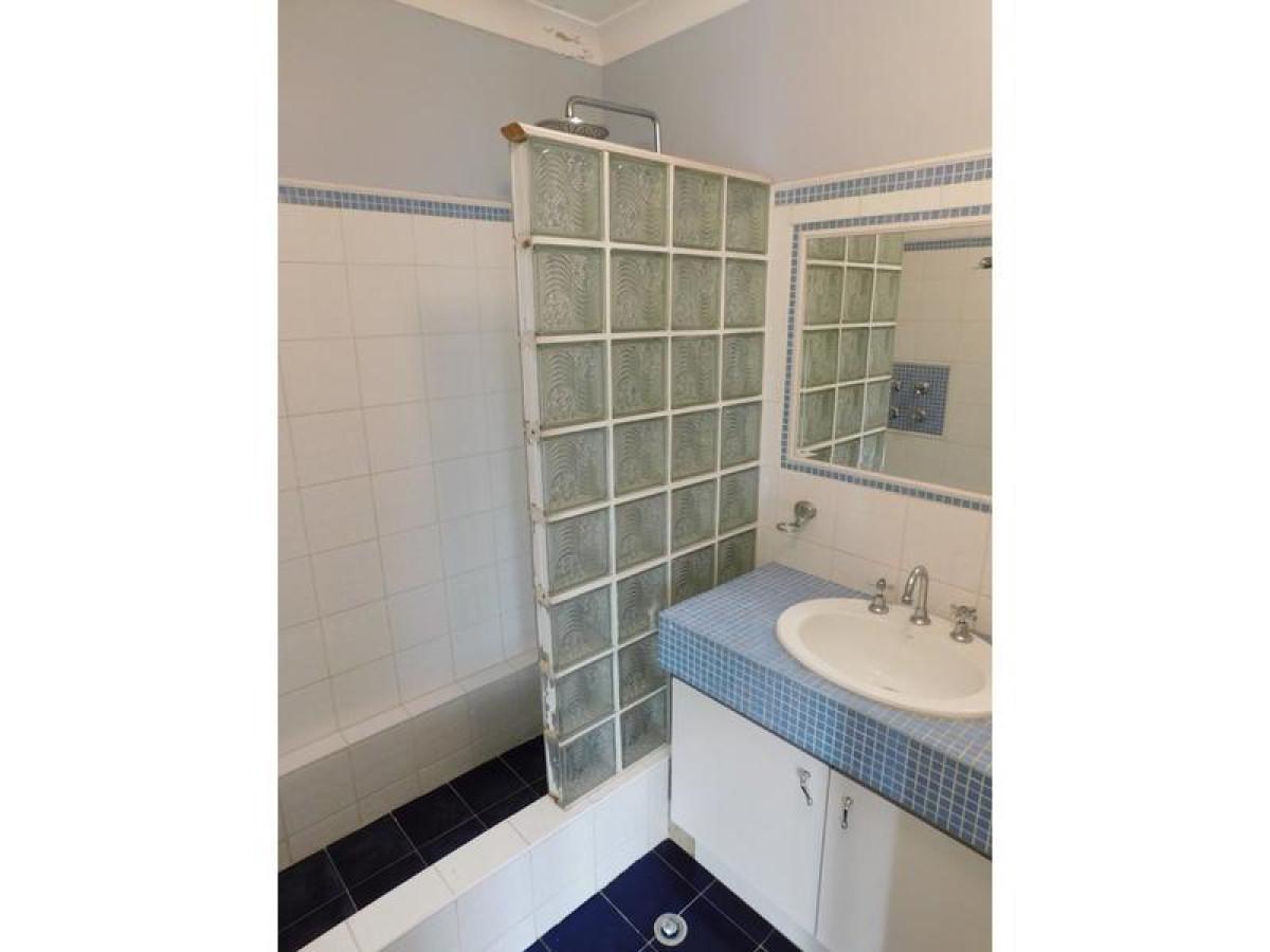 https://propertyphotos.vaultre.com.au/835/34045919__1625462970-9592-7.jpg