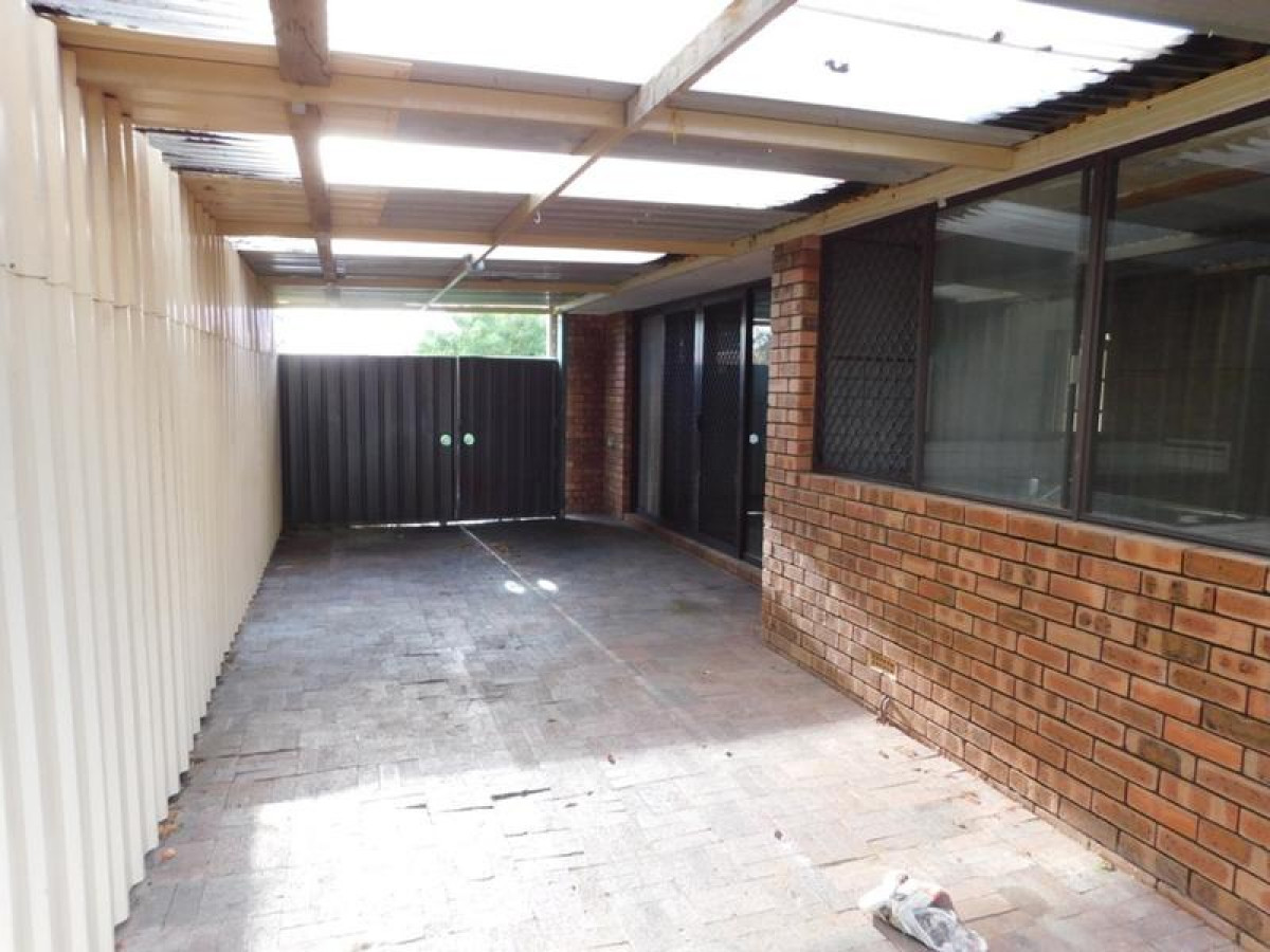 https://propertyphotos.vaultre.com.au/835/34045934__1625462979-3348-14.jpg