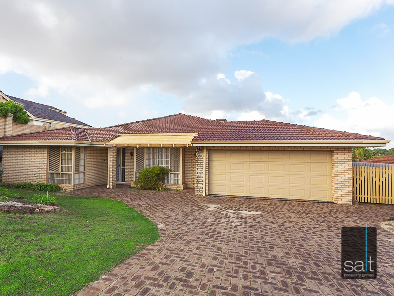 https://propertyphotos.vaultre.com.au/835/3535716__1574741850-14285-WEB10MarRoadKardinya17of17.jpg