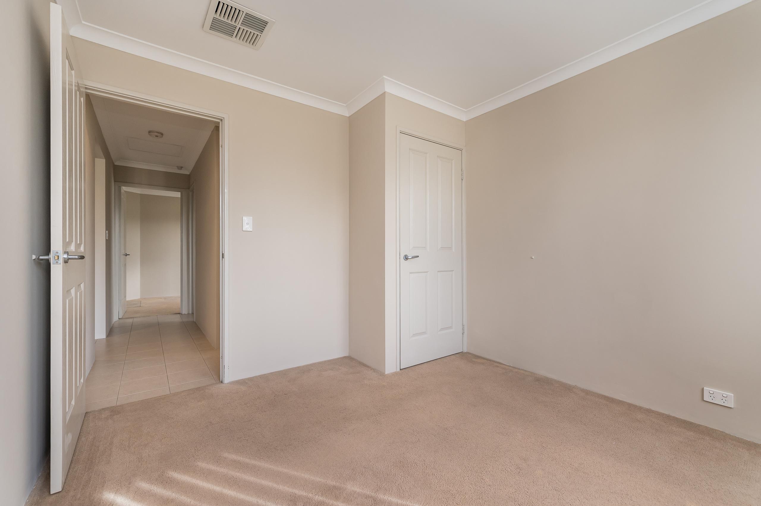 https://propertyphotos.vaultre.com.au/835/35399265__1626232757-12925-57BGalaxyWayCarlisle-8.jpg