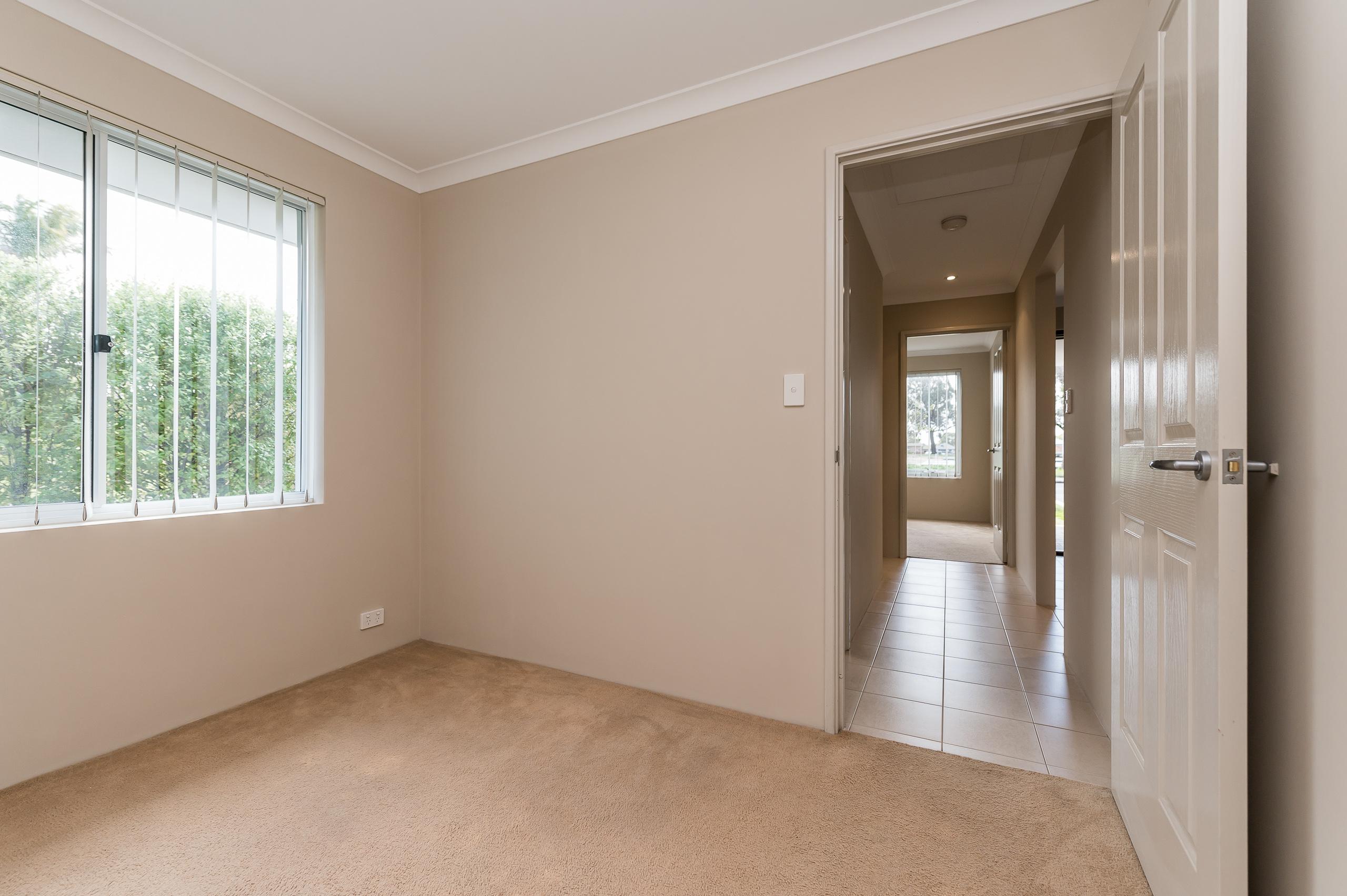 https://propertyphotos.vaultre.com.au/835/35399266__1626232771-12936-57BGalaxyWayCarlisle-9.jpg