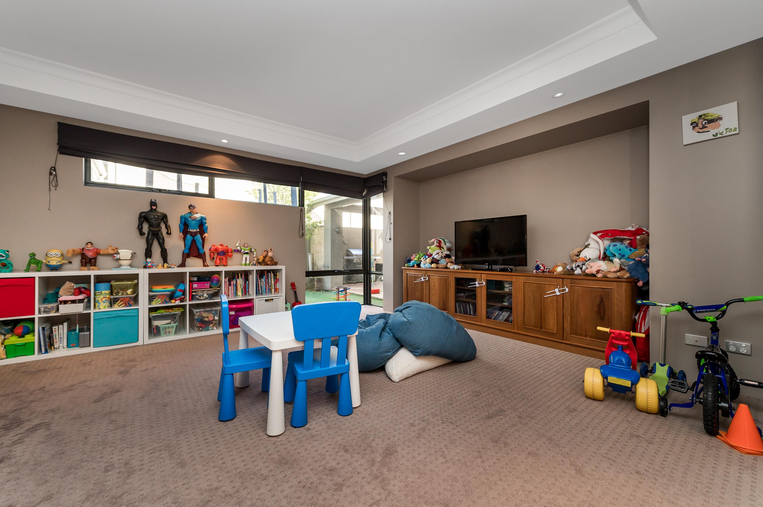 https://propertyphotos.vaultre.com.au/835/36604592__1627020054-4536-20BRegentAveMtPleasant-1.jpg