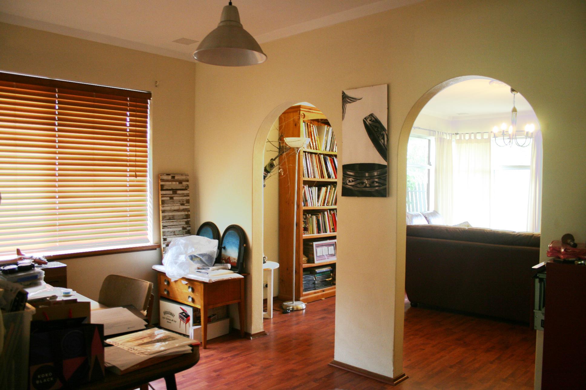 https://propertyphotos.vaultre.com.au/835/3943753__1576130552-4524-IMG3186done.jpg