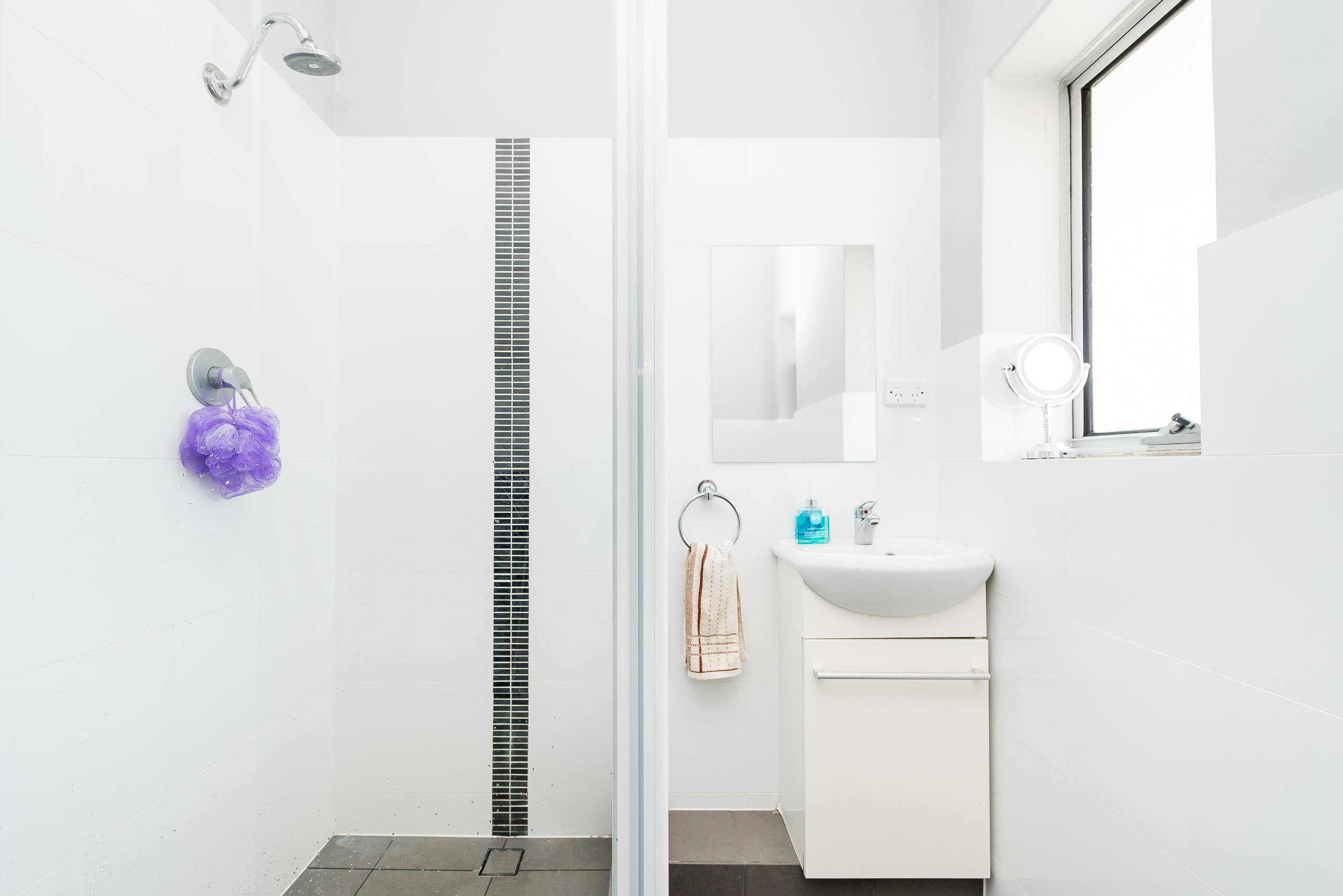 https://propertyphotos.vaultre.com.au/835/3976717__1577086348-771-4724CanningHwyApplecross-15.jpg