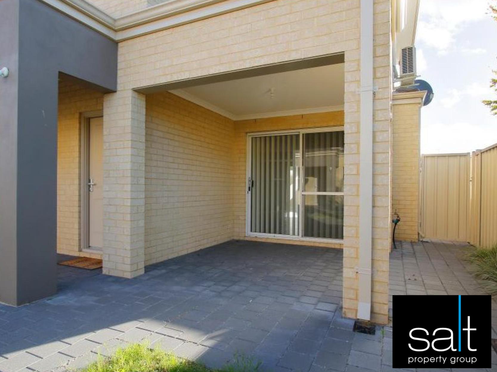 https://propertyphotos.vaultre.com.au/835/3982767__1578275727-15402-image-8.jpg
