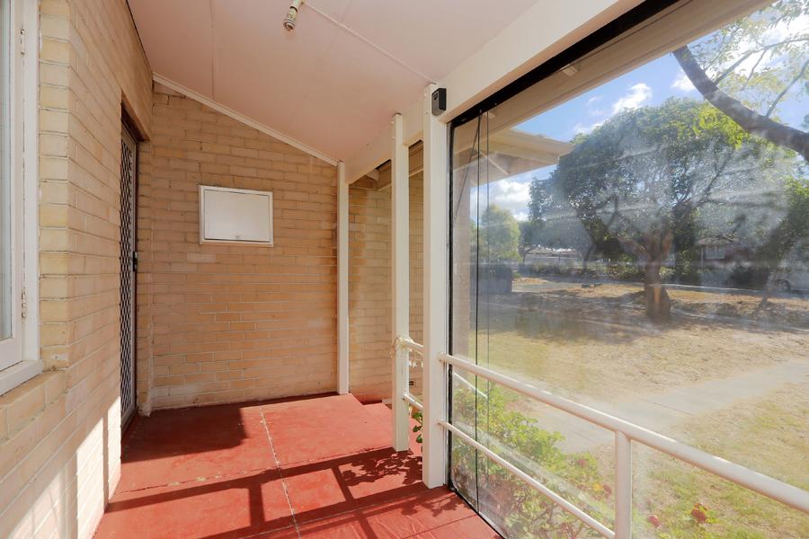 https://propertyphotos.vaultre.com.au/835/3989031__1578460035-21274-IMG0195.jpg