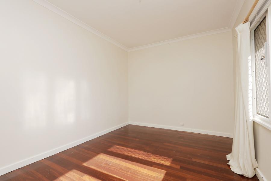 https://propertyphotos.vaultre.com.au/835/3989036__1578460041-31406-IMG0204.jpg