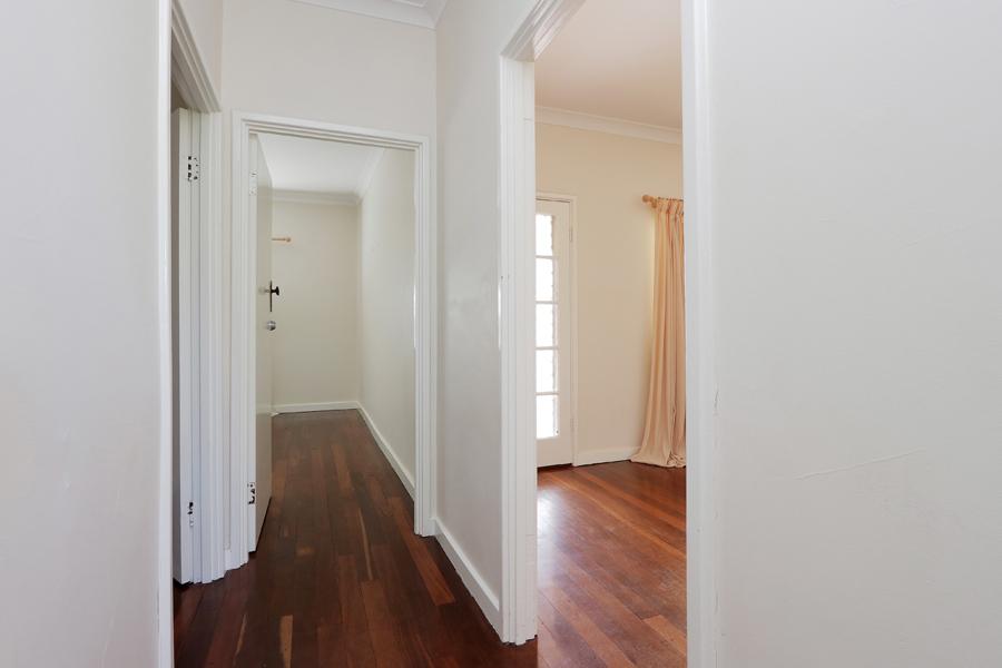 https://propertyphotos.vaultre.com.au/835/3989040__1578460045-20990-IMG0210.jpg