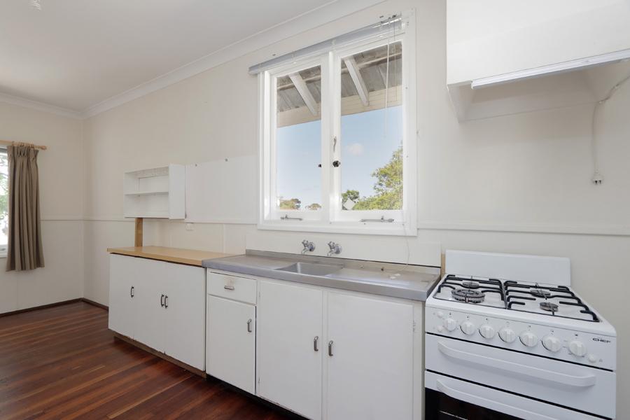https://propertyphotos.vaultre.com.au/835/3989041__1578460047-20994-IMG0212.jpg