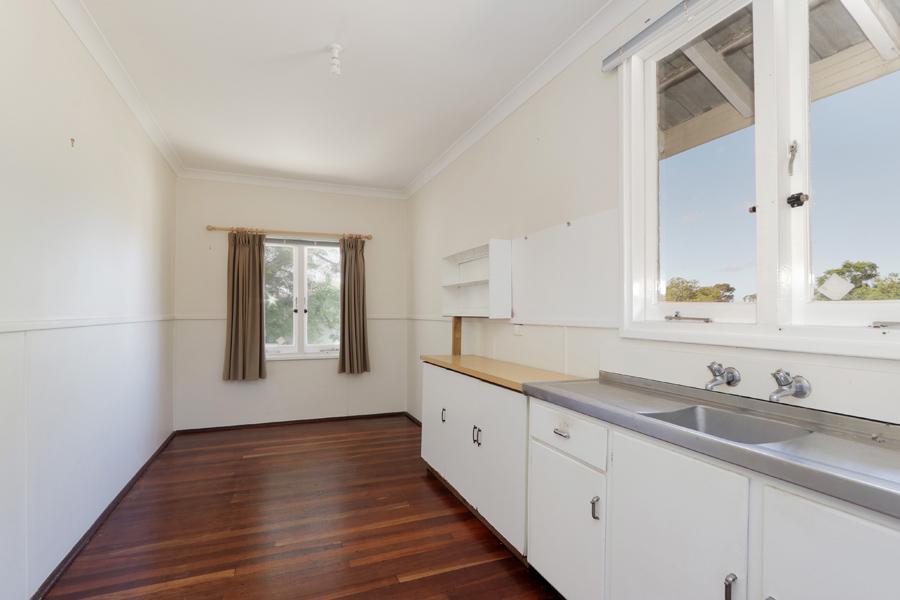 https://propertyphotos.vaultre.com.au/835/3989042__1578460048-31444-IMG0214.jpg