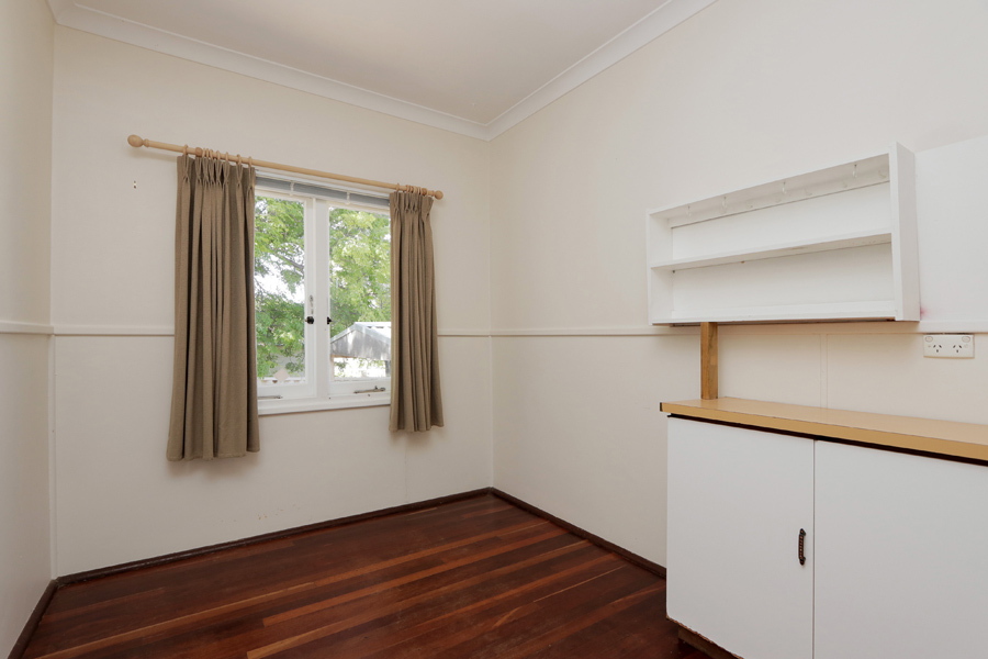 https://propertyphotos.vaultre.com.au/835/3989043__1578460048-21006-IMG0217.jpg