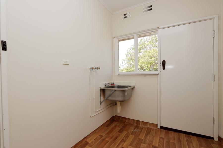 https://propertyphotos.vaultre.com.au/835/3989046__1578460052-31462-IMG0222.jpg