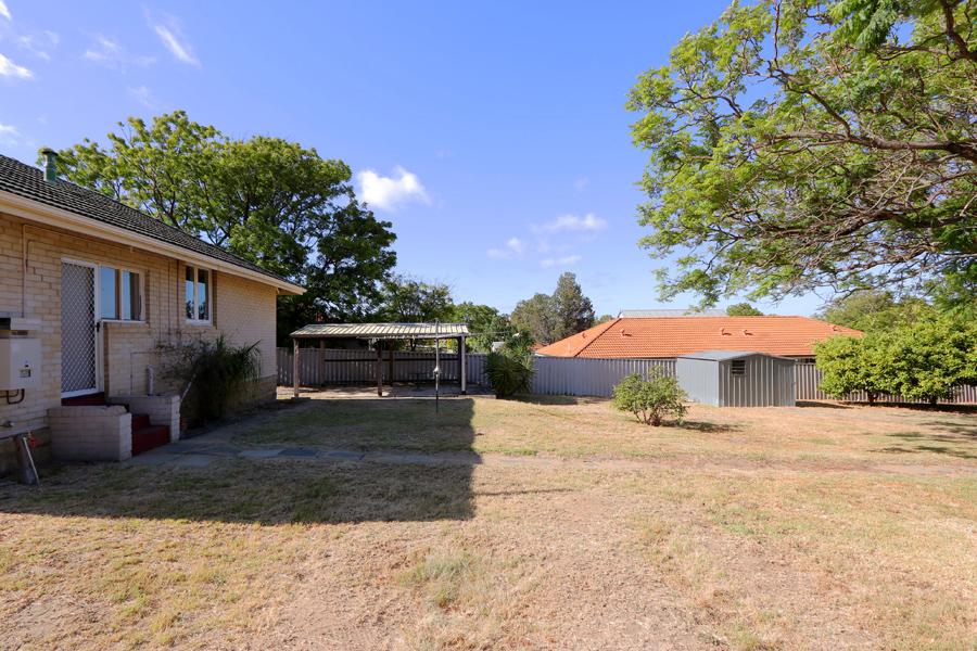 https://propertyphotos.vaultre.com.au/835/3989048__1578460054-31474-IMG0224.jpg