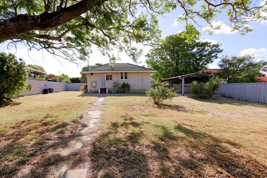 https://propertyphotos.vaultre.com.au/835/3989051__1578460057-31491-IMG0228.jpg
