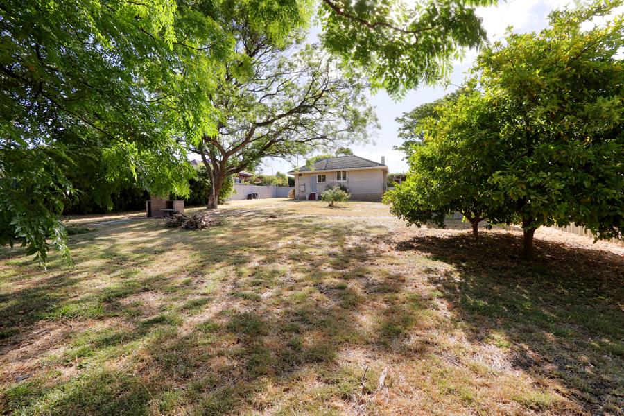 https://propertyphotos.vaultre.com.au/835/3989052__1578460058-21397-IMG0229.jpg