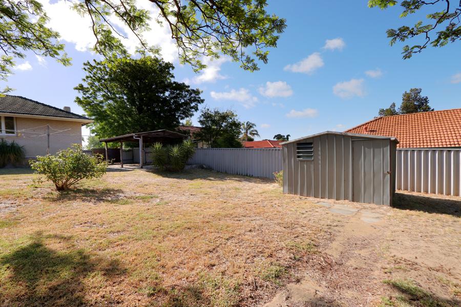 https://propertyphotos.vaultre.com.au/835/3989055__1578460063-21078-IMG0234.jpg