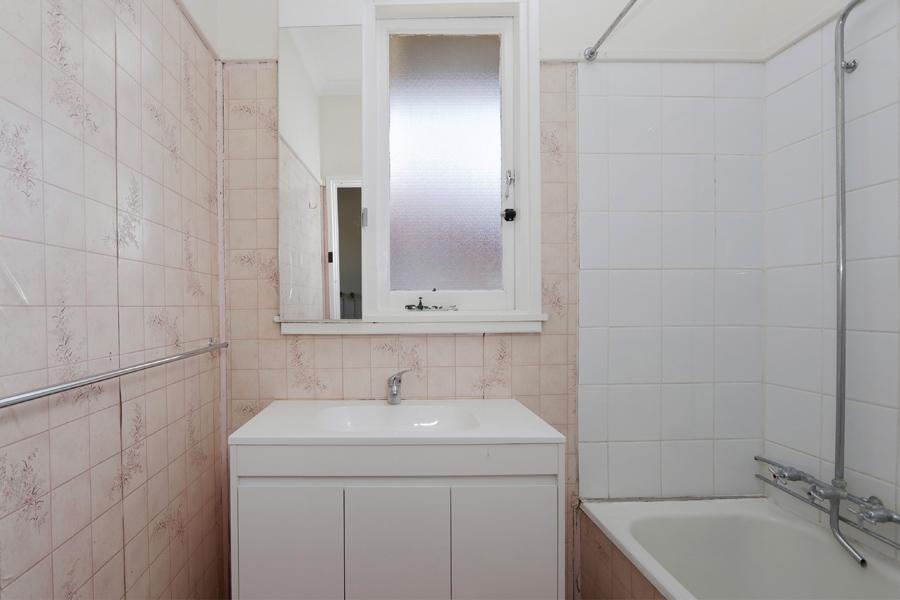 https://propertyphotos.vaultre.com.au/835/3989057__1578460065-31537-IMG0238.jpg