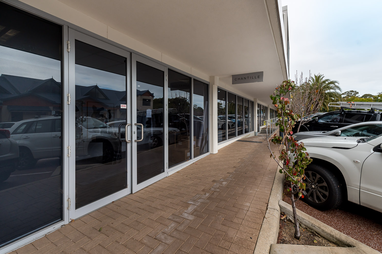 https://propertyphotos.vaultre.com.au/835/39942303__1629358315-29162-1721-23QueensRdMtPleasant-2.jpg