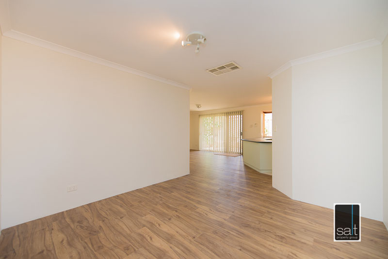 https://propertyphotos.vaultre.com.au/835/4009594__1579151061-28366-7SolomonStreetPALMYRA-14.jpg