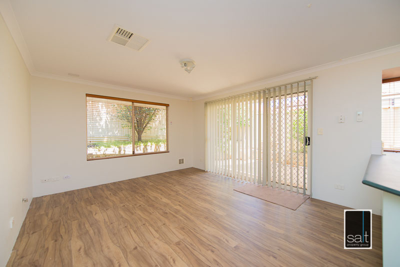 https://propertyphotos.vaultre.com.au/835/4009595__1579151063-28371-7SolomonStreetPALMYRA-15.jpg