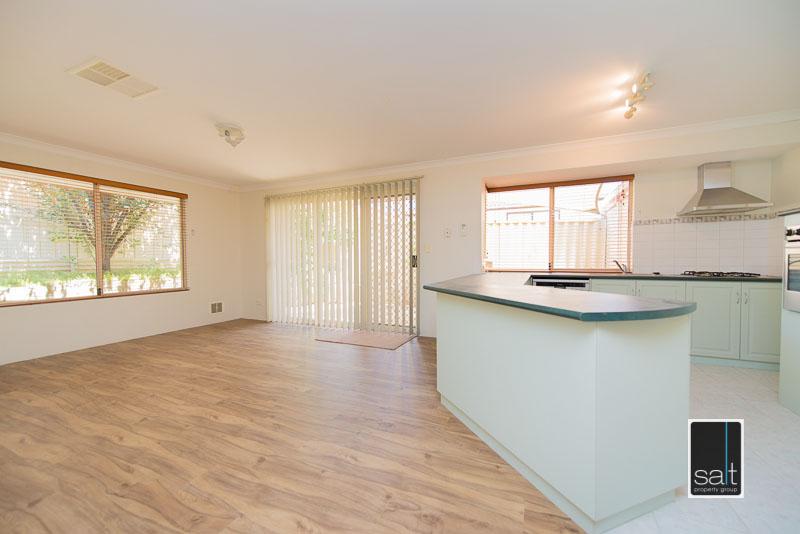 https://propertyphotos.vaultre.com.au/835/4009596__1579151063-11842-7SolomonStreetPALMYRA-16.jpg