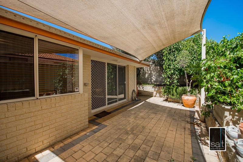 https://propertyphotos.vaultre.com.au/835/4009598__1579151066-30783-7SolomonStreetPALMYRA-18.jpg