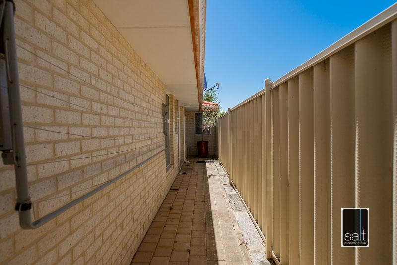 https://propertyphotos.vaultre.com.au/835/4009600__1579151068-11856-7SolomonStreetPALMYRA-20.jpg