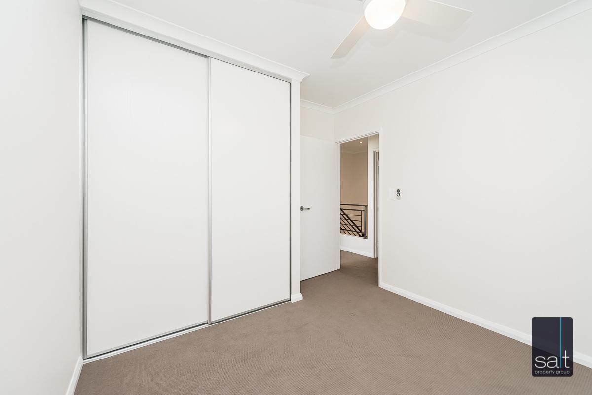 https://propertyphotos.vaultre.com.au/835/4010100__1579159899-24617-54BGladstoneRdRivervale-21.jpg