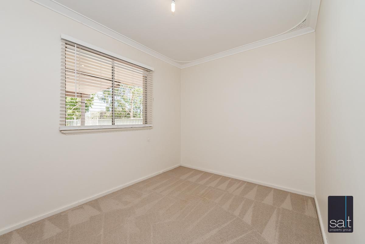 https://propertyphotos.vaultre.com.au/835/4012930__1579245217-4935-6PalmPlaceWilson-7.jpg