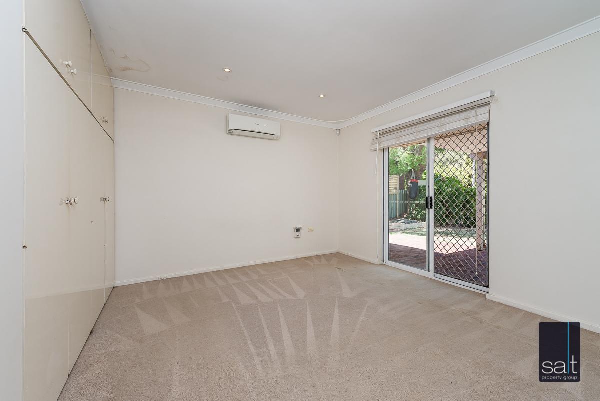 https://propertyphotos.vaultre.com.au/835/4012931__1579245219-4942-6PalmPlaceWilson-8.jpg