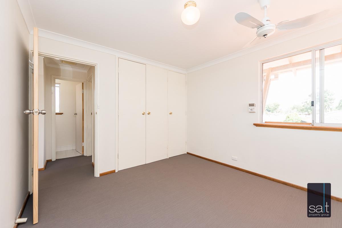 https://propertyphotos.vaultre.com.au/835/4012942__1579245237-4981-6PalmPlaceWilson-13.jpg