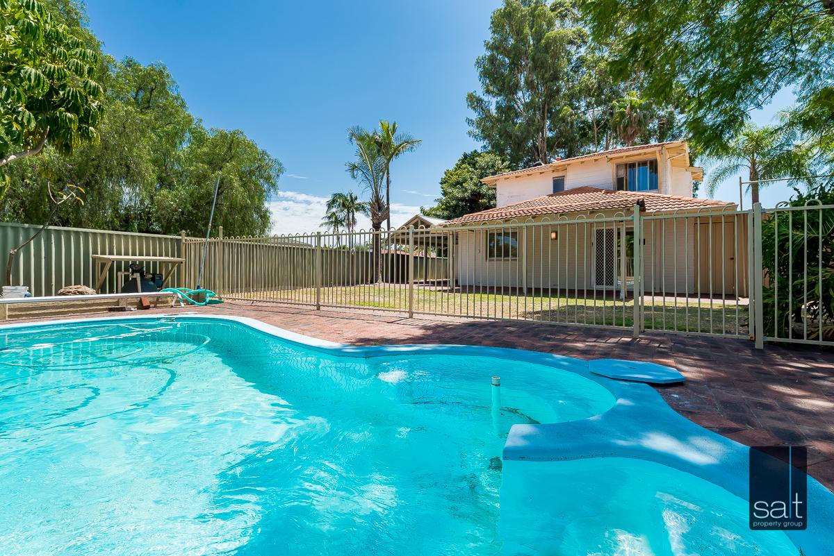https://propertyphotos.vaultre.com.au/835/4012945__1579245357-3839-6PalmPlaceWilson-19.jpg