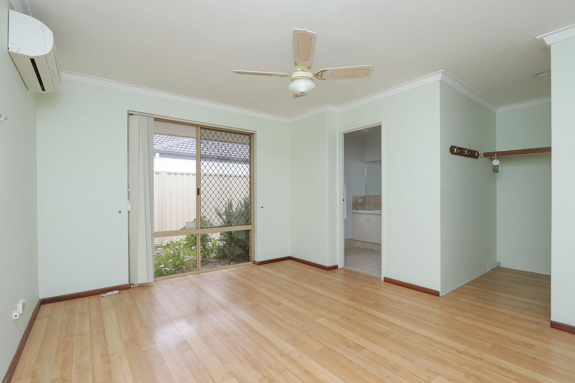 https://propertyphotos.vaultre.com.au/835/4030139__1579755818-20133-IMG0349.jpg
