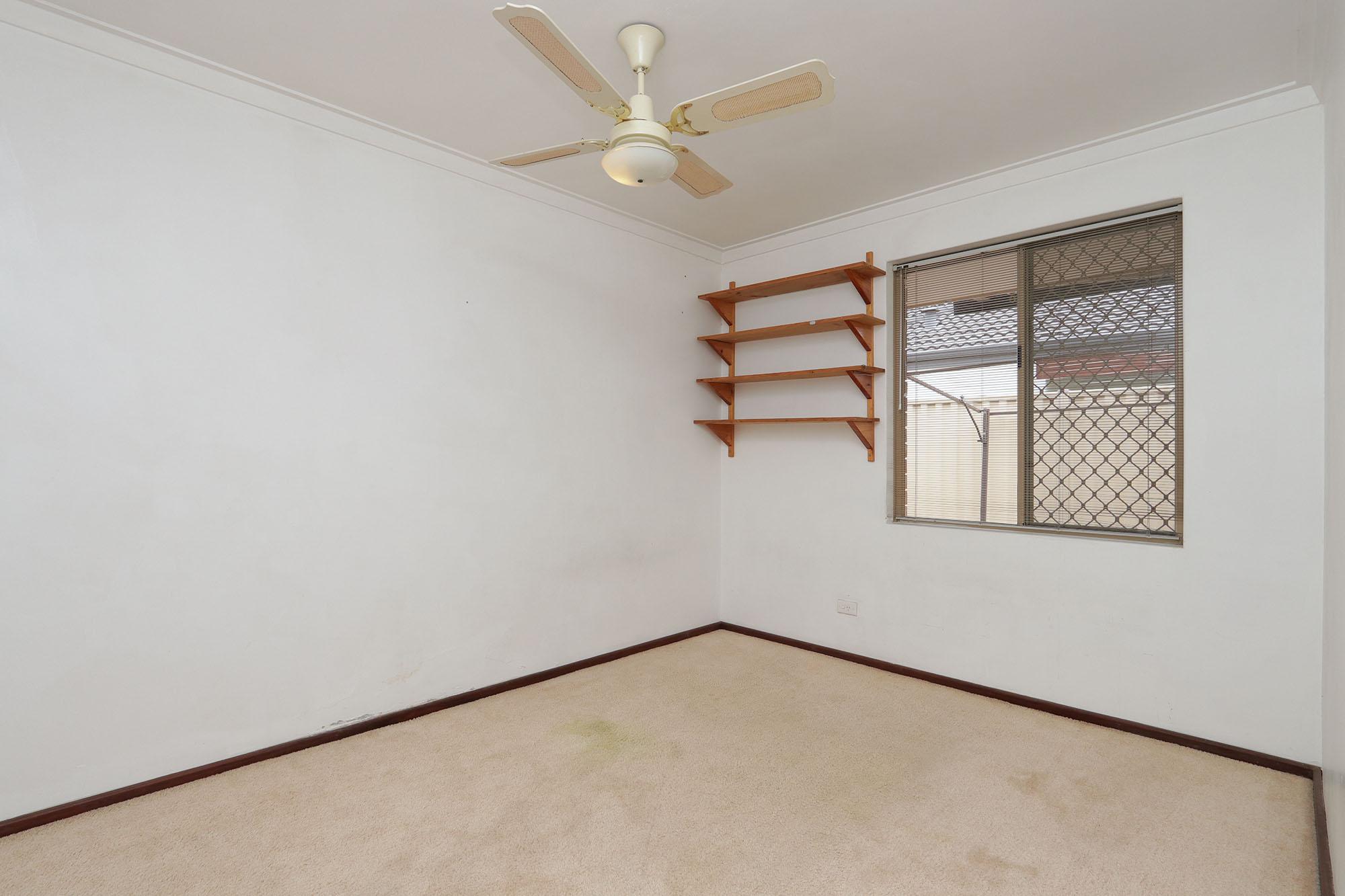 https://propertyphotos.vaultre.com.au/835/4030141__1579755820-20147-IMG0354.jpg