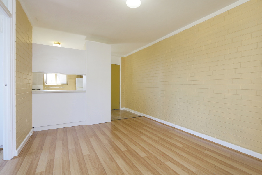 https://propertyphotos.vaultre.com.au/835/4030602__1579760841-15555-IMG0025.JPG