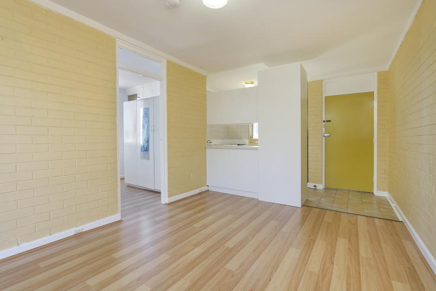 https://propertyphotos.vaultre.com.au/835/4030603__1579760842-15559-IMG0026.JPG