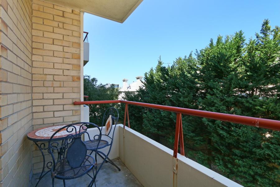 https://propertyphotos.vaultre.com.au/835/4030607__1579760846-15820-IMG0046.JPG