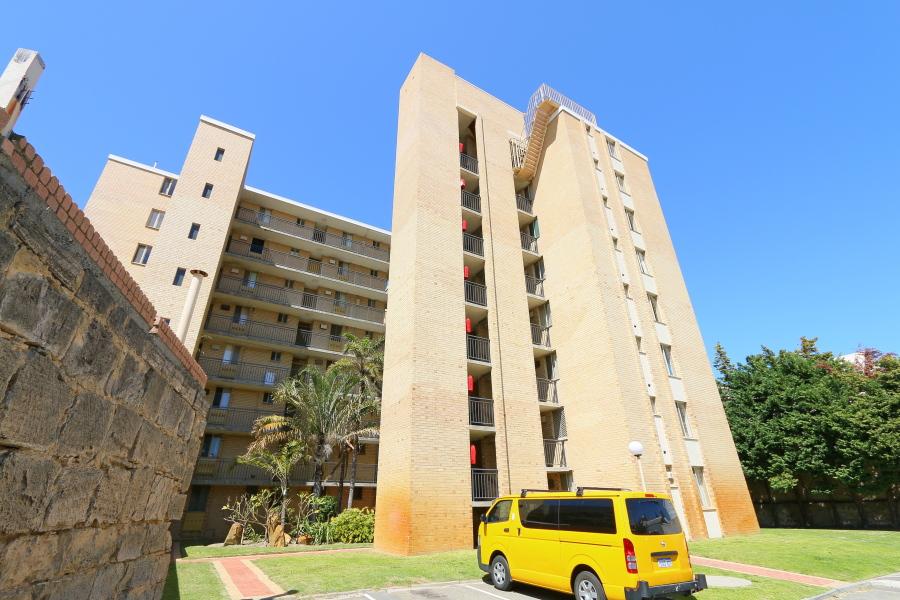 https://propertyphotos.vaultre.com.au/835/4030612__1579760852-15848-IMG0055.JPG
