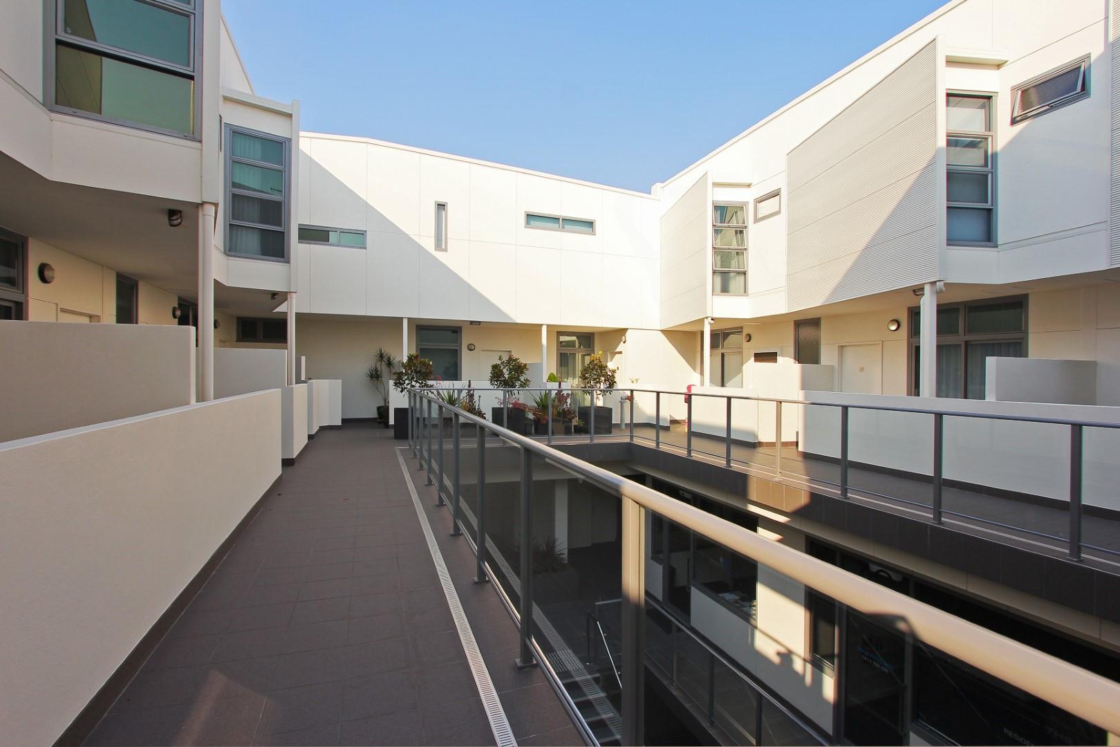 https://propertyphotos.vaultre.com.au/835/4044475__1580365651-22184-003.JPG