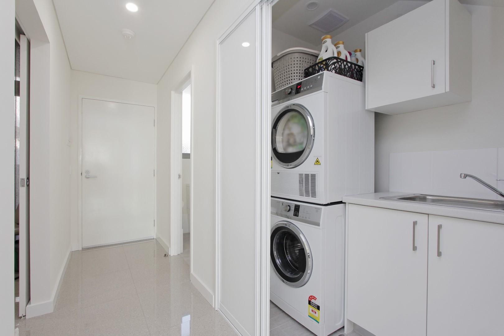 https://propertyphotos.vaultre.com.au/835/4044477__1580365653-22200-005.JPG