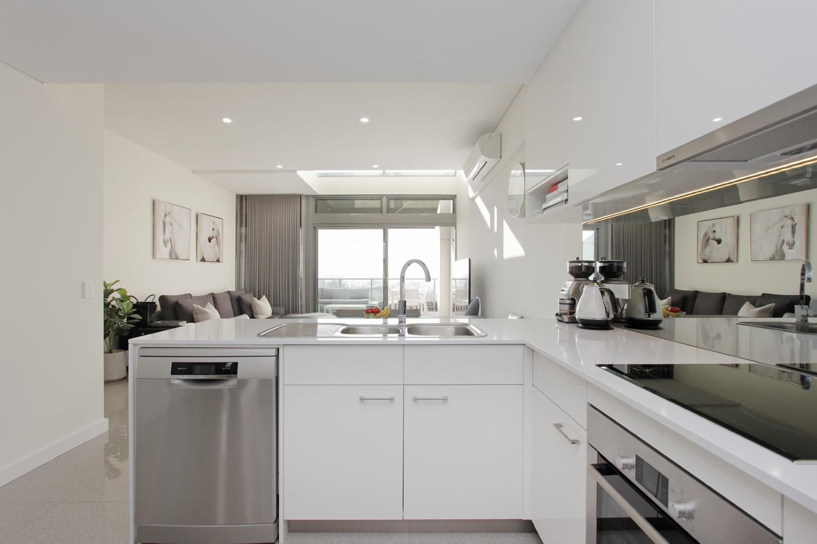 https://propertyphotos.vaultre.com.au/835/4044480__1580365656-22220-008.JPG