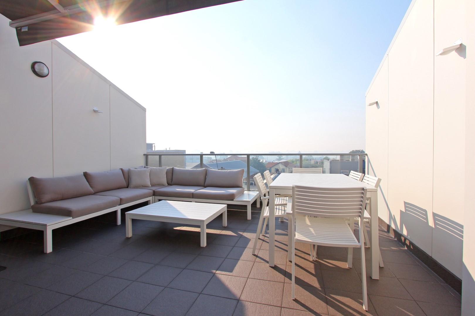 https://propertyphotos.vaultre.com.au/835/4044484__1580365661-22242-012.JPG