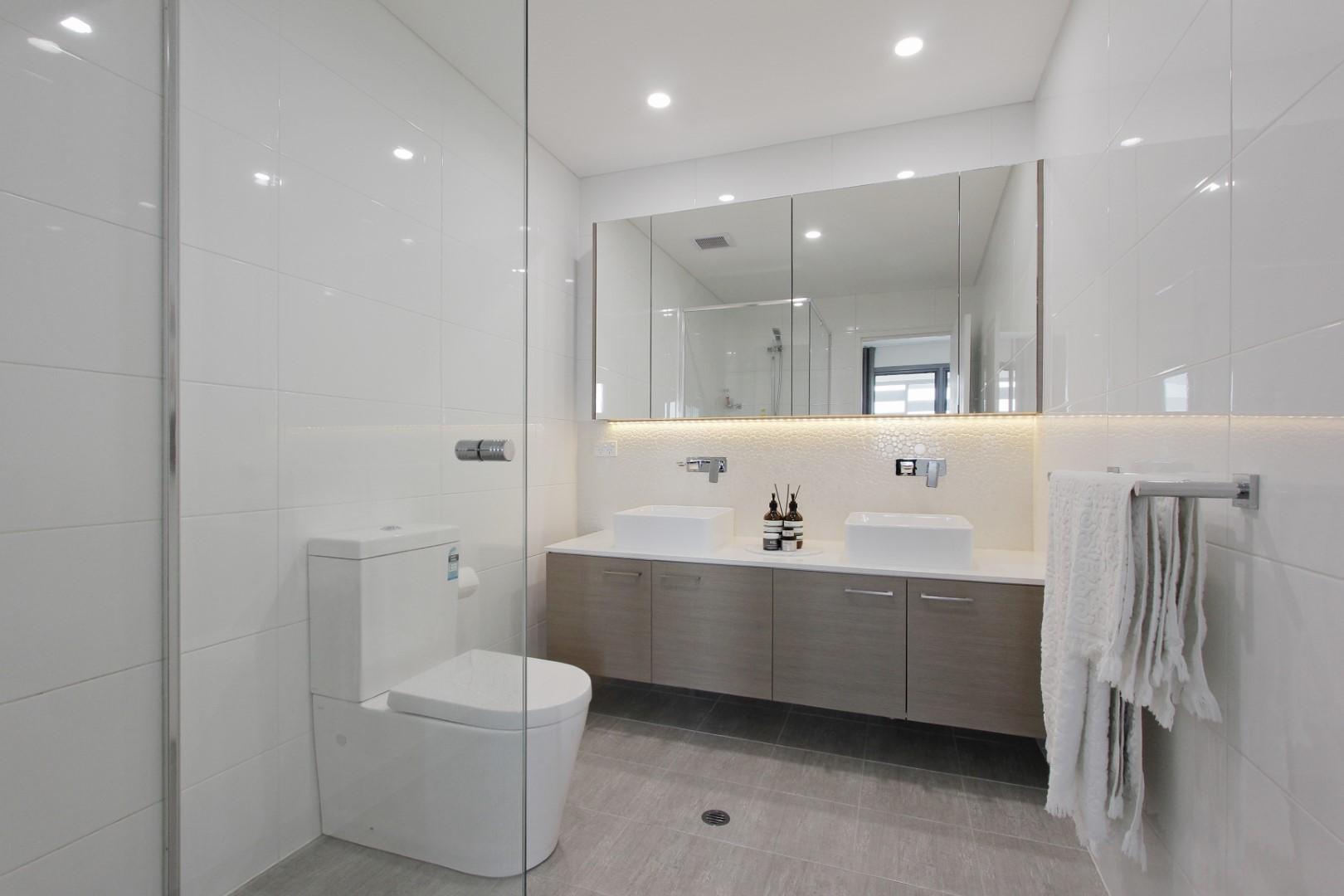 https://propertyphotos.vaultre.com.au/835/4044492__1580365670-19841-020.JPG