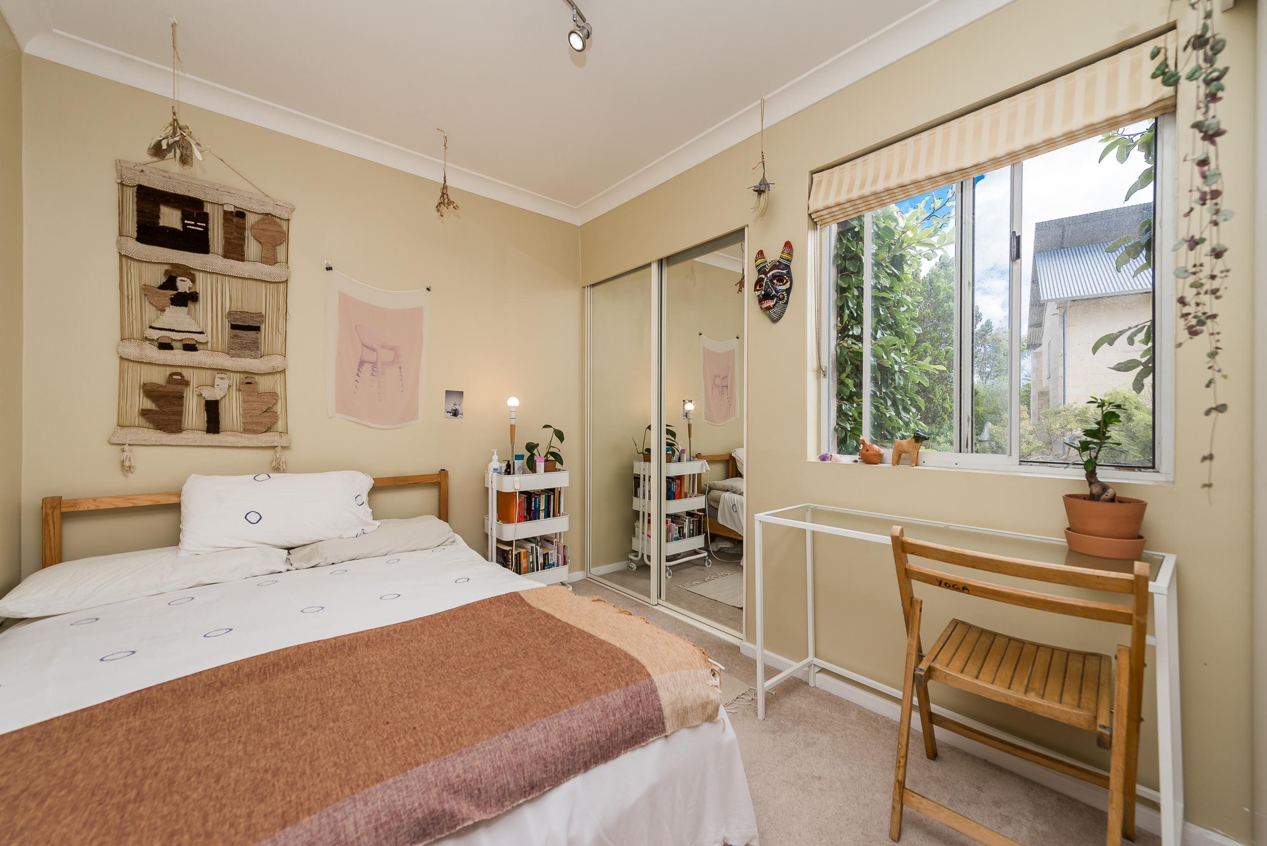 https://propertyphotos.vaultre.com.au/835/4044744__1580374522-21160-10McAteeCourtFremantle-15.jpg