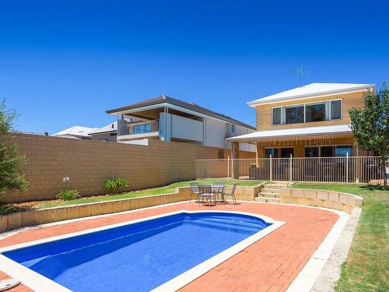 https://propertyphotos.vaultre.com.au/835/4131883__1580787193-3-reaimport-1568684715-347450-29118.jpg