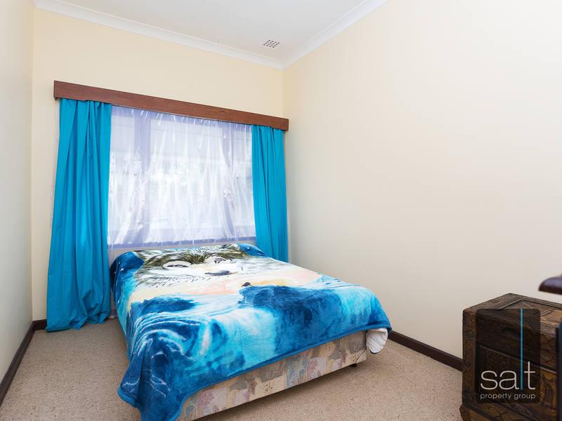 https://propertyphotos.vaultre.com.au/835/4465093__1582162001-22316-SALTWEBRES33RaymondRoadMtPleasant2of13.jpg