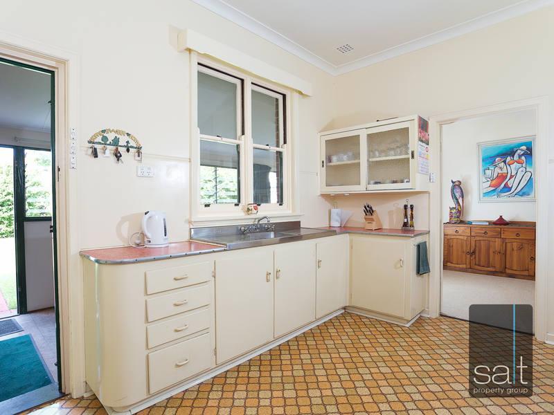 https://propertyphotos.vaultre.com.au/835/4465101__1582162006-22338-SALTWEBRES33RaymondRoadMtPleasant7of13.jpg