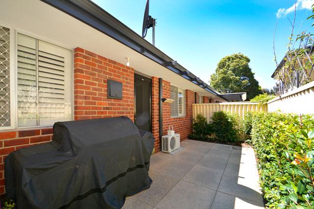https://propertyphotos.vaultre.com.au/835/4471713__1582507087-2875-22.jpg