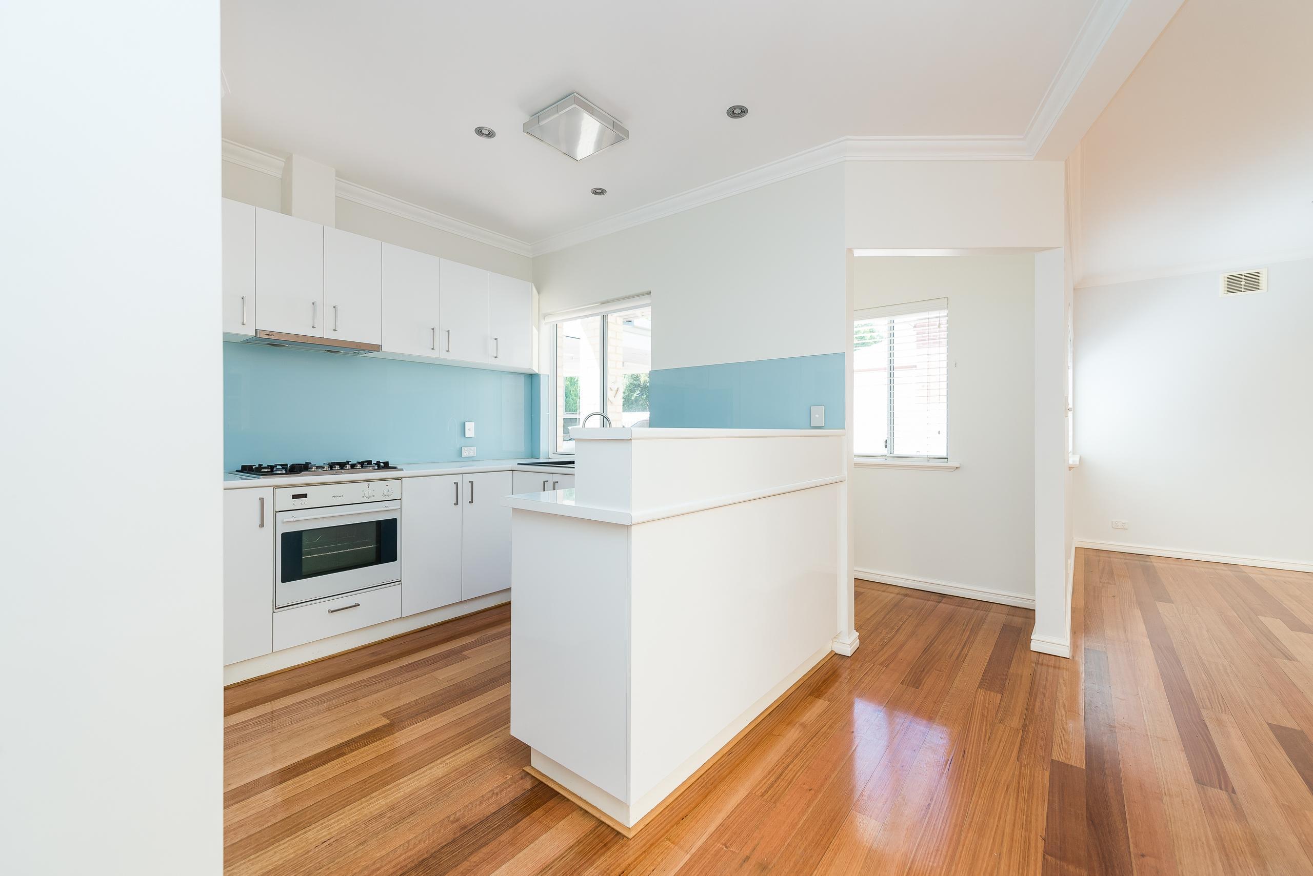 https://propertyphotos.vaultre.com.au/835/4493254__1582623017-15698-109BHamptonRoadSouthFremantle-3.jpg