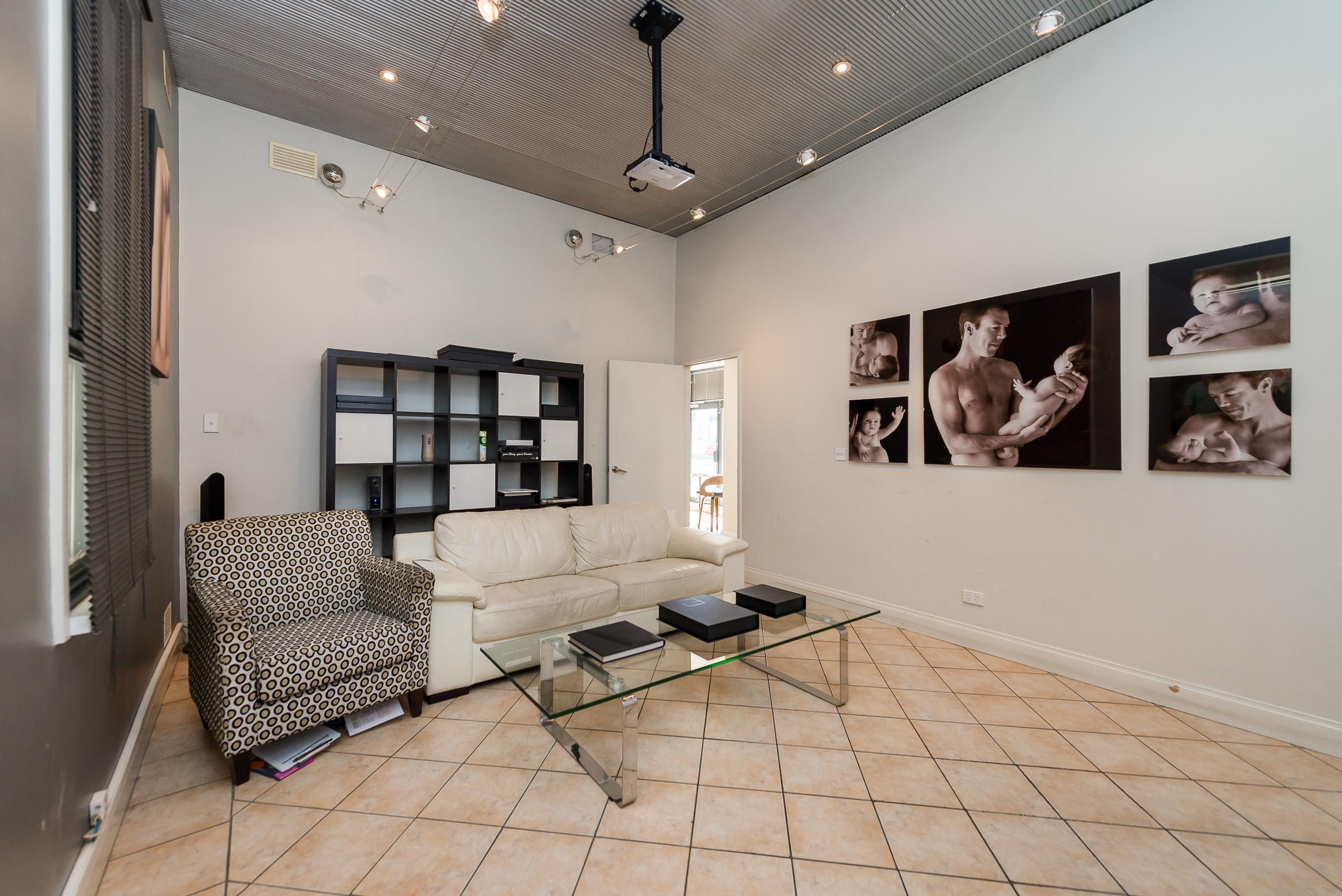 https://propertyphotos.vaultre.com.au/835/4505145__1582688788-6373-109AHamptonRoadSouthFremantle-9.jpg